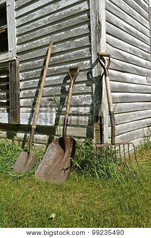 Shovel, spade, and silage fork