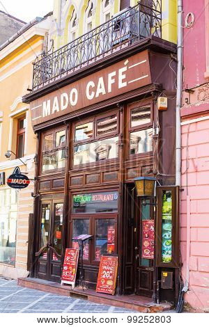 Cafe At Pedestrian Republicii Street  In Downtown Of Brasov, Romania.