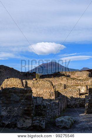 Pompeii ruins overlooking Mount Vesuvius