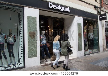 VALENCIA, SPAIN - SEPTEMBER  28, 2015: A Desigual clothing store in Valencia. Desigual is a casual clothing brand based in Barcelona, Spain. In 2011 it employed 2,900 people of 72 nationalities.