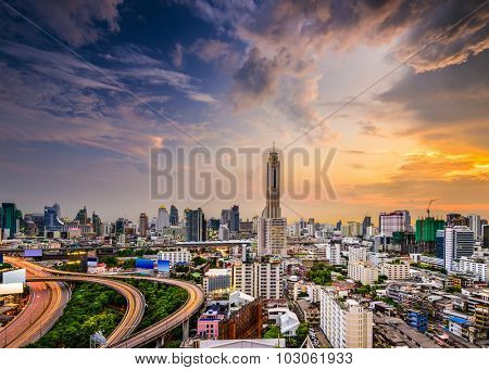Bangkok, Thailand city skyline of the  Ratchathewi District.