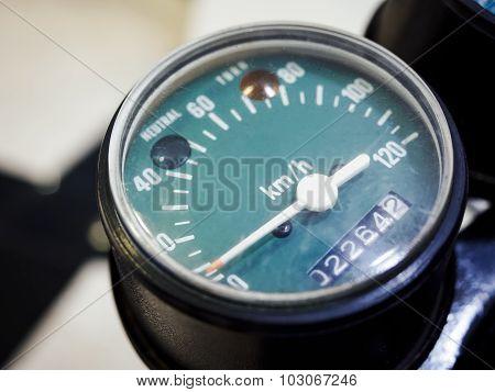 Speedometer Display Vintage Style
