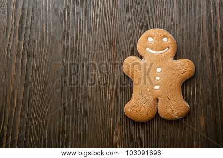 gingerbread dessert on wooden table