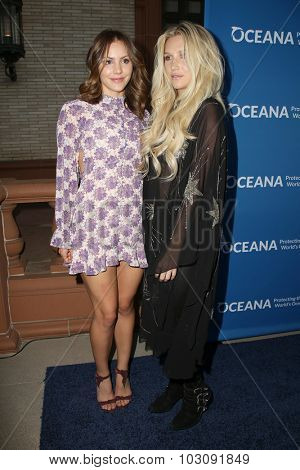 LOS ANGELES - SEP 28:  Katharine McPhee, Kesha at the