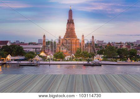 Opening wooden floor, Temple of Dawn, Wat Arun, Bangkok