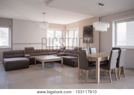 Relaxation And Dining Area