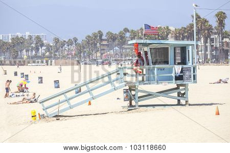 Venice, Los Angeles, Usa - August 22, 2015: Lifeguard Tower In Venice Beach During The Peak Season.