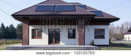 Contemporary Villa With Solar Collector