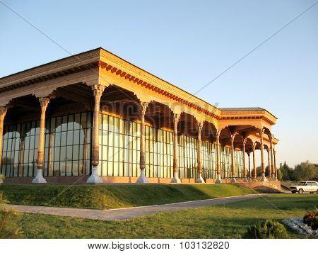 Tashkent Almazar Gallery Evening 2007