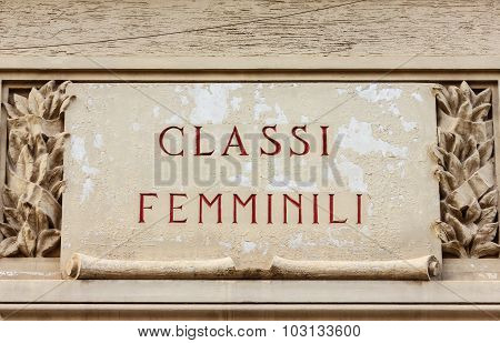 Sign Indicating The Feminine Classes