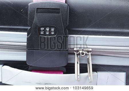 Number combination padlock