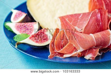 Serrano Ham With Ham And Figs
