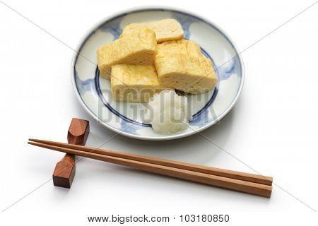 dashimaki tamago, japanese rolled omelette with dashi