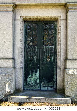 Oranate Door