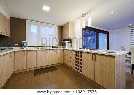 Interior design: Modern big kitchen