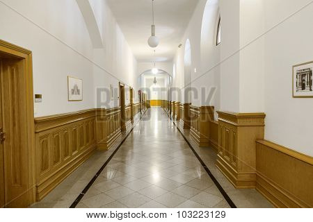 Aisle In The Palace Of Justice In Vienna