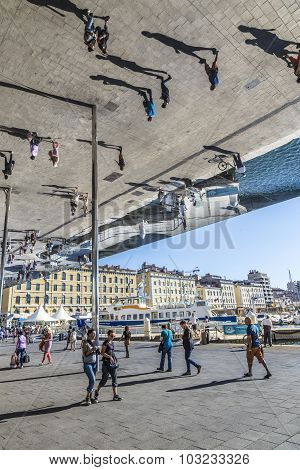 People Visit Norman Fosters Pavillion In Marseille