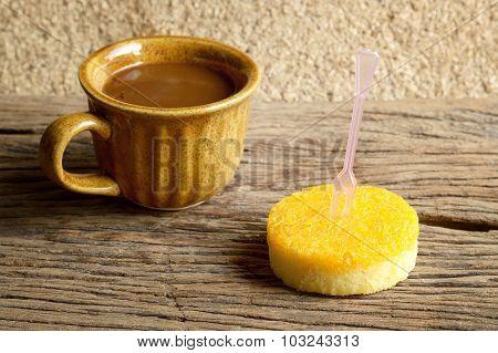 Gold Egg Yolks Thread Cake