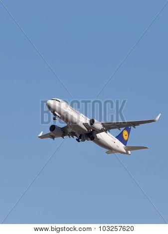 Lufthansa Airbus A320-214 Aircraft