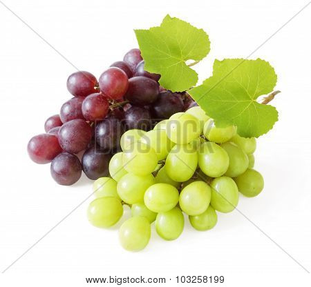 Fresh red and green grapes