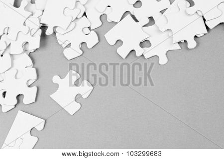 Loose jigsaw puzzle pieces