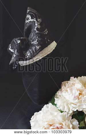 Black And Cream Lace Fashion Fascinator Hat