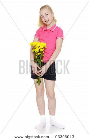 teenage girl with a bouquet