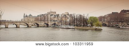 Pont Neuf Ile De La Cite Paris France