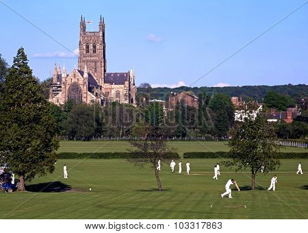 Worcester Cathedral and cricketers.