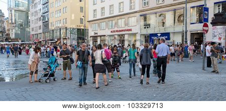 People Walking  In Vienna