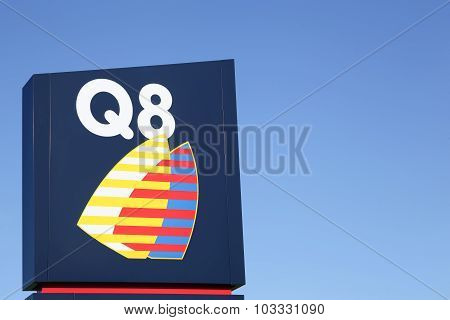 Q8 logo with blue sky