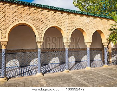 Traditional Arch With Moorish Ornament In Tilt