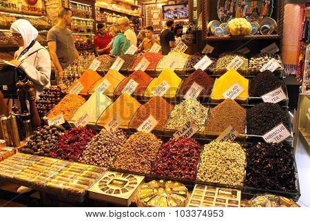 Spice shop at the Spice Bazaar in Istanbul,
