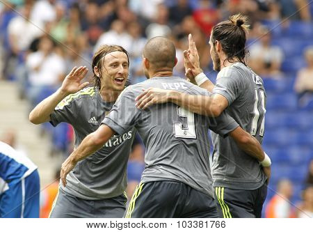 BARCELONA - SEPT, 12: Luka Modric(L) Pepe(C) and Gareth Bale(R) of Real Madrid during a Spanish League match against RCD Espanyol at the Power8 stadium on September 12 2015 in Barcelona Spain