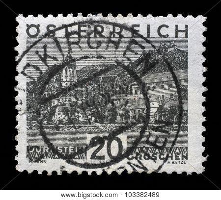 AUSTRIA - CIRCA 1930: a stamp printed in the Austria shows Durnstein, circa 1930