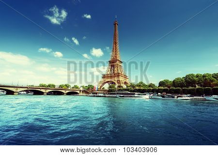 Seine in Paris with Eiffel tower in morning time