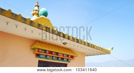 Close up of buddhist monastery building. Rooftop.