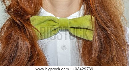 Model With Bow-tie Green