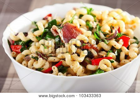Pasta With Prosciutto, Rucola And Peppers