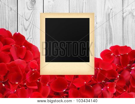 Photo In A Vintage Style Beautiful Red Rose Petals On White Wooden Background