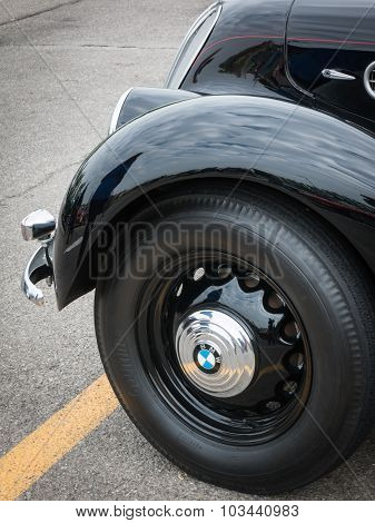 Bmw Retro Vintage Car Detail