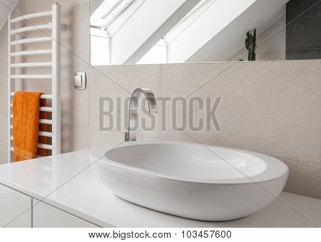 Washbasin With New Design Tap