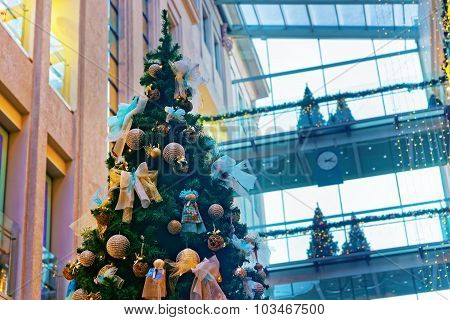 Beautifully Decorated Christmas Tree In A Multilevel Shopping Mall