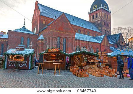 European Christmas Fair Stalls With Straw Baskets And Other Traditional Souvenirs