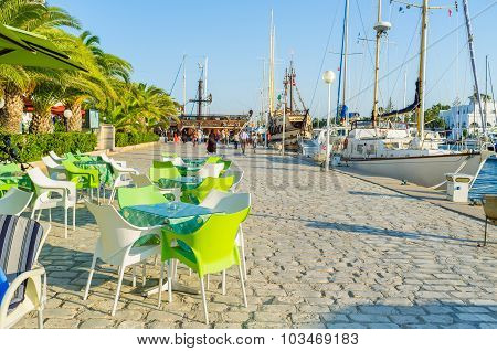 Relax In Port