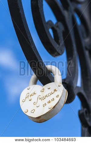 Lock With A Vow Of Love