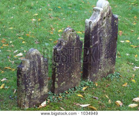 Three Graves In Bennington