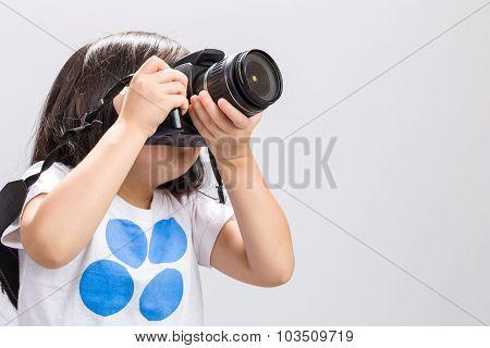 Kid Using Camera / Kid Using Camera Background / Kid Using Dslr Camera To Take Photos