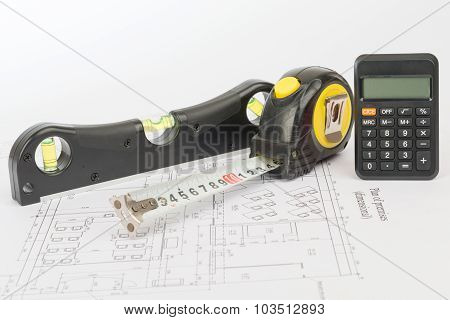 Tape measure with calculator