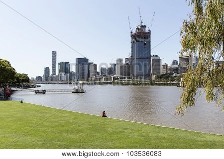 Brisbane cityscape and 1 William St from SouthBank
